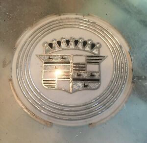 1959 1960 Cadillac Eldorado And Fleetwood Hubcap Center Crest Medalian