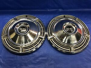 Vintage Pair Of 1968 Chevrolet 14 Hubcaps Chevelle Super Sport Ss 396 Good Cond