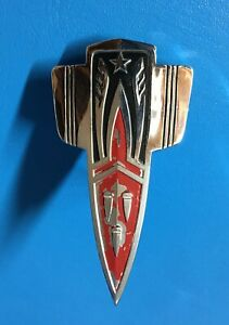 Nos Gm 38 1938 Oldsmobile Radiator Grille Emblem Name Plate Ornament Series F