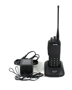 Macom Harris P801t Two Way Radio Opensky 800 Mhz With Charger And Battery
