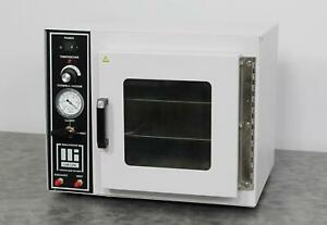 Barnstead Lab line 3608 Tabletop Vacuum Chamber Lab Oven With Shelves