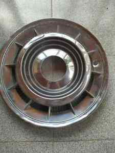 1959 1960 Cadillac Fleetwood Eldorado 01 Hubcaps Wheel Cover Used