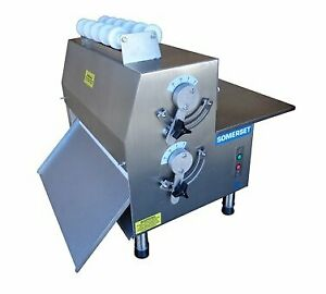 Somerset Cdr 2100 Dough Roller 20 Synthetic Non stick Rollers Side Operation