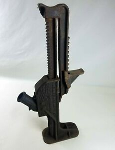 Vintage Or Antique Ratchet Jack Barrett No 088 Duff Mfg Co Cast Iron Jack