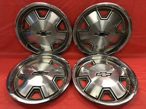 Vintage Set Of 4 1982 88 Chevrolet 14 Hubcaps S10 Blazer
