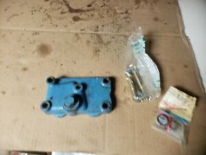 1974 Ford 3000 Tractor Rear Hydraulic Valve Block Off Plate Original Oem W Seal