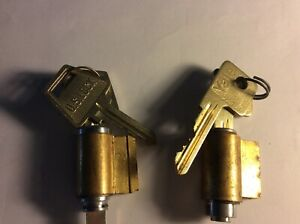 1 Yale 1 Uslock New Key In Knob Cylinders With Two Keys Each