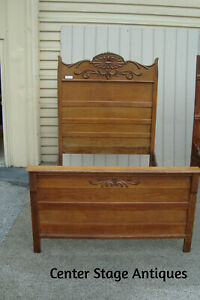 58761 Antique Victorian Solid Oak High Back Full Size Bed