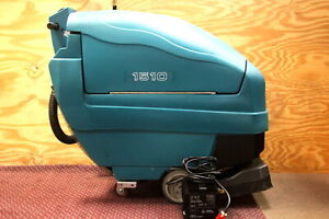Tennant 1510 Battery Powered 22inch Carpet Extractor