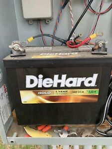 Diehard Battery Lg 4 And Diehard Battery Charger maintainer 28 71219 0899006643