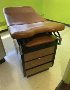 Medical Office Patient Exam Table Lightly Used Enoch