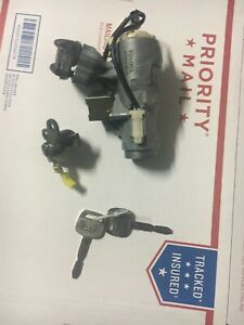 1998 1999 2000 2001 2002 Toyota Corolla Ignition Switch 2 Key And Driver Look
