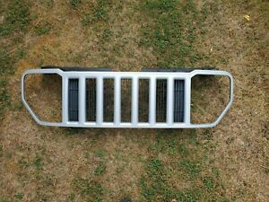 Grille Painted Fits 08 12 Jeep Liberty Silver