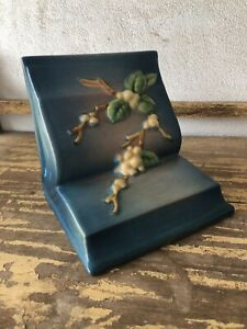 HTF BLUE Roseville Snowberry Bookend #IBE Exc. Condition