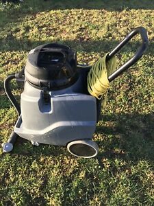 Karcher Wet And Dry Vacuum Nt 68 1 With Squeegee