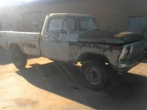 1976 Ford F250 Rear Axle Crew Cab 4wd 818091