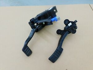 2015 2017 Ford Mustang Gt Pedal Assembly Automatic Gas Brake Oem