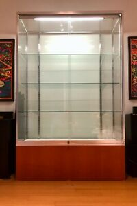 Elegant Mid Century Modern Style Display Case With Lighting 75 X 48 X 20