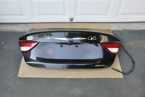2015 2016 2017 Chrysler 200 S Sedan Rear Trunk Lid With Rear View Back Up Camera