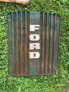 Ford 2000 4000 Tractor 4 Cylinder Hood Grill Insert