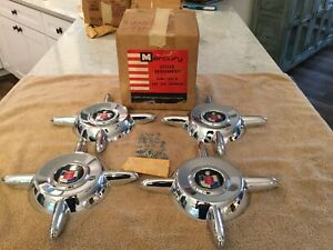 Nos 1956 Mercur Y Accessory Hubcap Wheel Cover Spinners 4 In Mint Condition