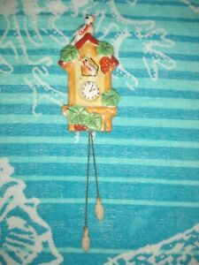 Vintage Japan Wall Pocket Cuckoo Clock Birds Berries Decoration Collectible