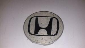 2007 Honda Odyssey Center Cap For Wheel Only