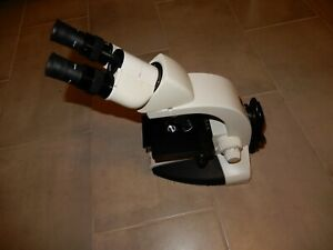 Leica Dme Upright Phase Microscope With 3 Or 4 Objectives