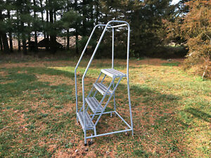 Cotterman 4 step Rolling Ladder 450 lb Capacity Top Step 40 Overall Height 70