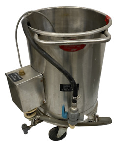 Oscar Fisher 15 X 20 Stainless Steel Tank W Pump 2 Available