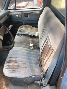 1973 1987 Chevy Gmc C k Series 1984 Used Blue Cloth Bench Seat No Shipping Used