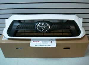 Toyota 2015 Tacoma Sport White 040 Painted Grille Genuine Oem Oe
