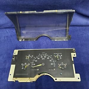 1992 94 Manual Chevy Gmc Truck 1500 2500 3500 Gauge Cluster 16140288 144k Miles