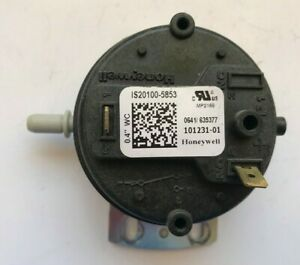 Honeywell Is20100 5853 Furnace Air Pressure Switch 101231 01 Used a44