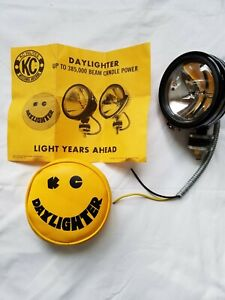 Vintage Kc 5 Hilites Daylighter Off Road Light And Soft Cover With Specs Nwob