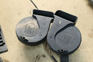 94 95 Mercedes E320 W124 High Low Note Tone Horn Set Of Two