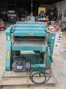 Grizzly G0544 20 Planer With Spiral Cutter head 5 Hp 220v Single Phase