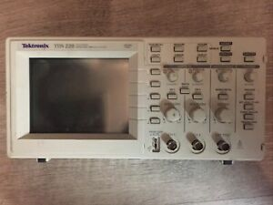 Tektronix Tds 220 100 Mhz Digital 2 Channel Oscilloscope Screen Works Partially