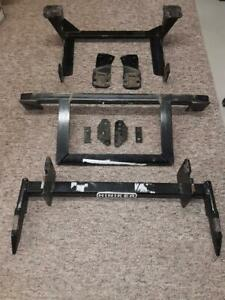 Hiniker Quick Hitch 2 Snow Plow Mount 99 04 Ford F250 350 450 25012864 Superduty