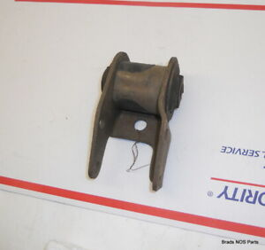 Nos Mopar 1973 1976 Plymouth Dodge 318 340 360 Rh Engine Mount 3642810 3642818