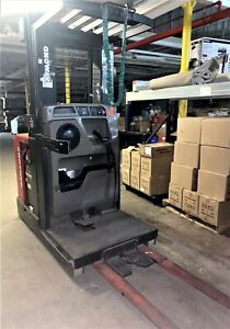 Raymond Opr opc30tt 2002 Year Order Picker Forklift W 24v Battery And Charger