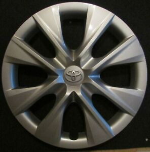 Toyota Corolla Hubcap 2014 2015 2016 For 15 Tire wheel 61171 Great Condition