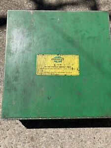 Greenlee No 1731 m3 One Shot Hydraulic Knockout Driver With Punches And Dies Set
