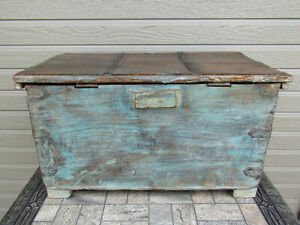 Antiqued Painted Reclaimed Repurposed Wood Trunk Hope Chest 25 X 14 X 13