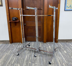 6 way Clothing Rack Chrome Finish Roll Around Display With Casters
