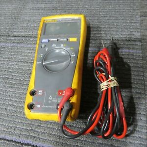 Fluke 77 Iv True Rms Digital Multimeter for Parts d30
