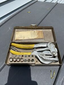 Whitney No 5 Jr Vintage Hand Punch With Dies Case Made In Usa
