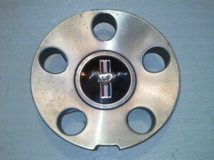 2005 Ford Mustang Center Cap For Wheel Only 17x8 5 Lug 4 1 2