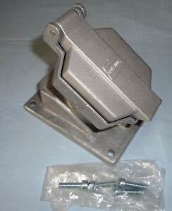 Crouse Hinds Enr 5151 Explosion Proof Receptacle 15a 125v New