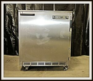 Beverage air Under Counter Refrigerator Ucr27